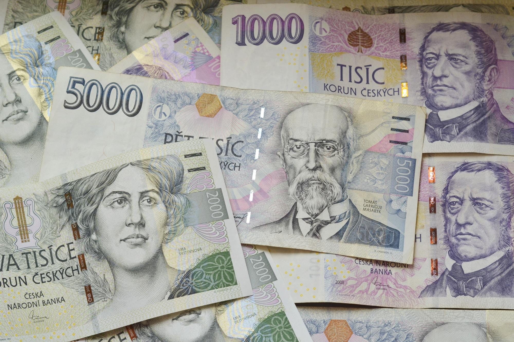 Ceny energie, české peníze, bankovky