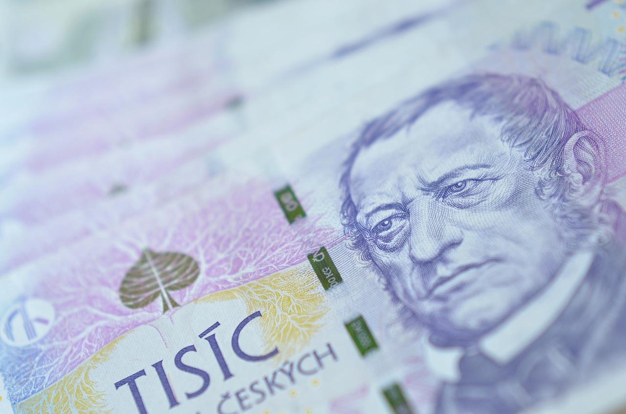 Česká bankovka, tisícovka, innogy pokračuje ve zdražování elektřiny