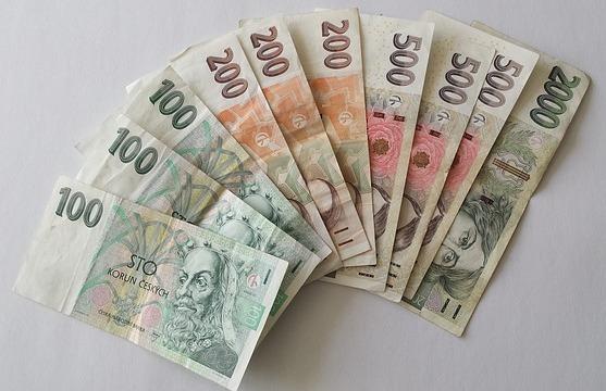 České bankovky, reklamace vyúčtování za elektřinu nebo zemní plyn