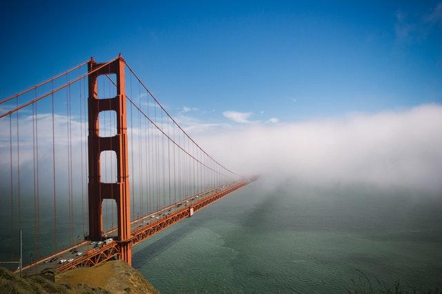 Most vedoucí do mlhy, fixace ceny elektřiny na rok 2022
