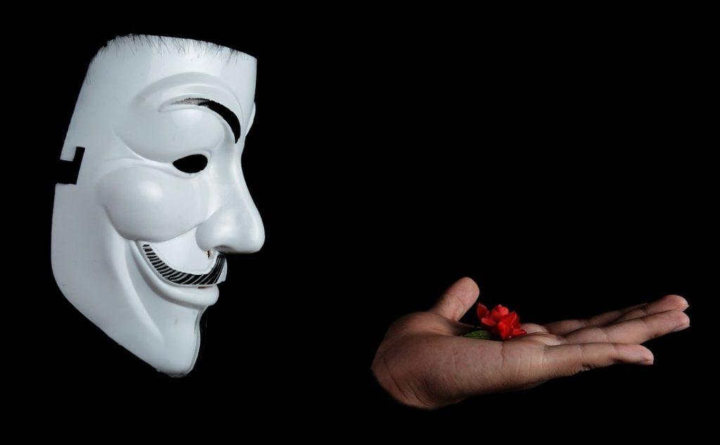 Neznámá identita, maska, anonym