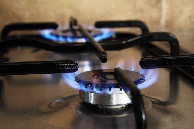 Zapálený plynový sporák, ceník plynu Bohemia Energy