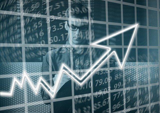 Graf a čísla ukazují růst, cena plynu na rok 2022