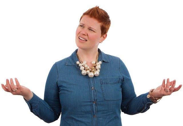 Žena vyjadřuje údiv, nesouhlas, ušlý zisk - výpočet